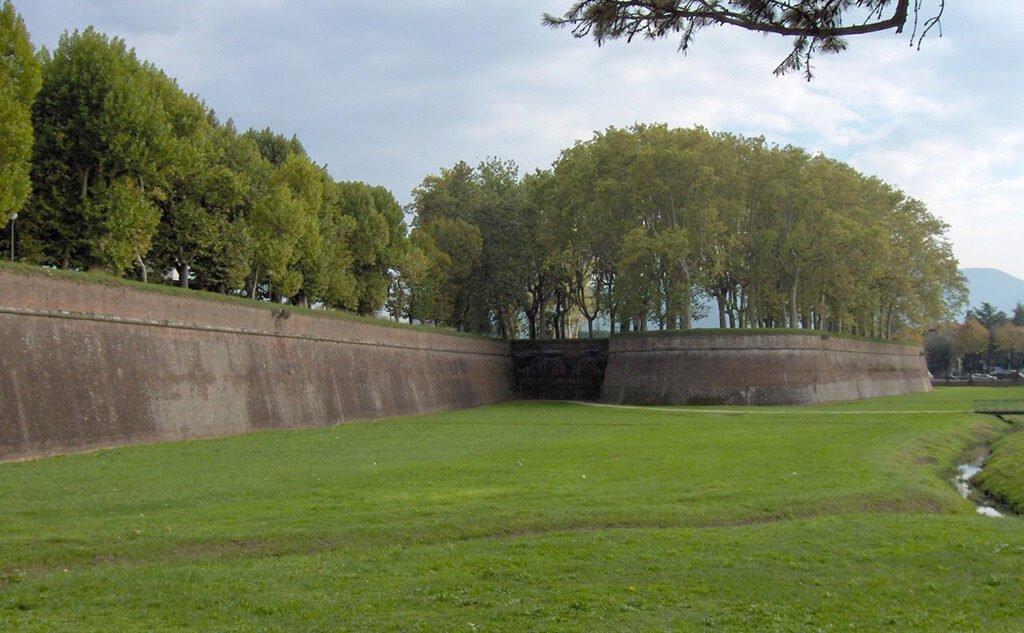 mura-di-lucca