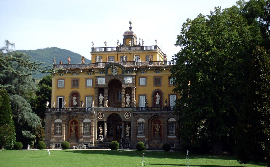 ville-lucchesi-lucca