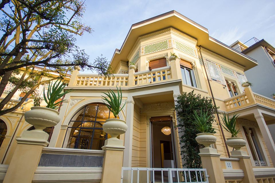 Villa Argentina, esterni
