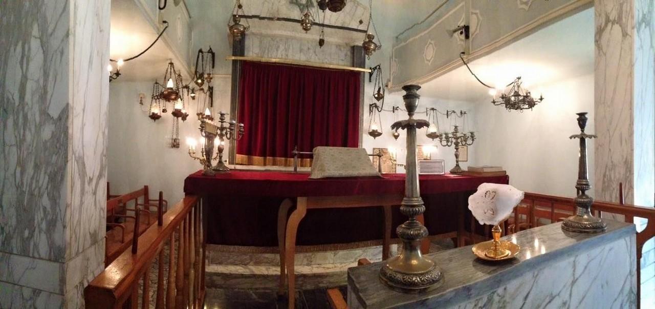 Interno della sinagoga di Viareggio