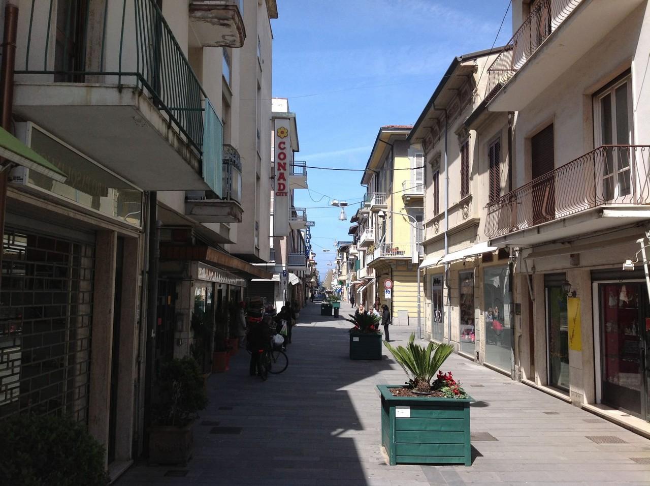 Via Battisti Viareggio