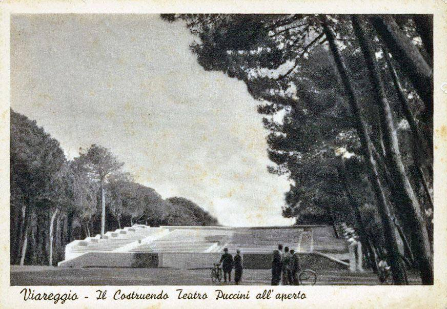 Il costruendo teatro in Pineta nel 1938